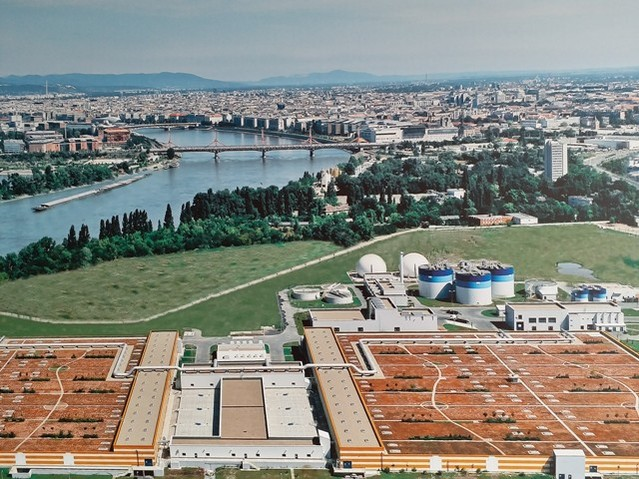 Thăm nhà máy xử lý nước thải lớn nhất Trung Âu