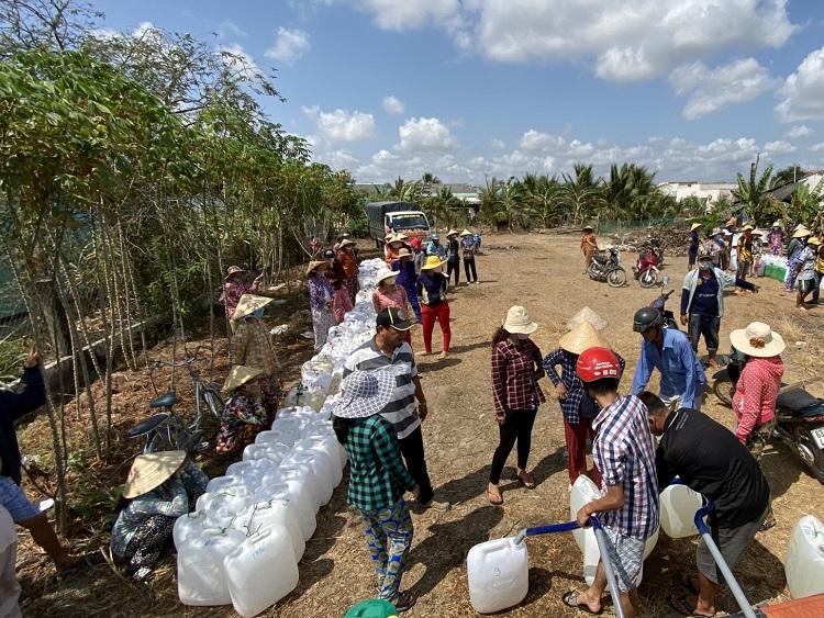 Hỗ trợ 5 tỉnh đã công bố tình huống khẩn cấp về hạn mặn