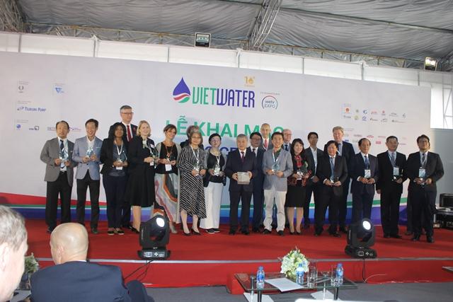 1427/Đoàn chuyên gia Hội nước Đức tham dự triển lãm Vietwater 2018 và đánh giá dự án Deviwas giai đoạn 2