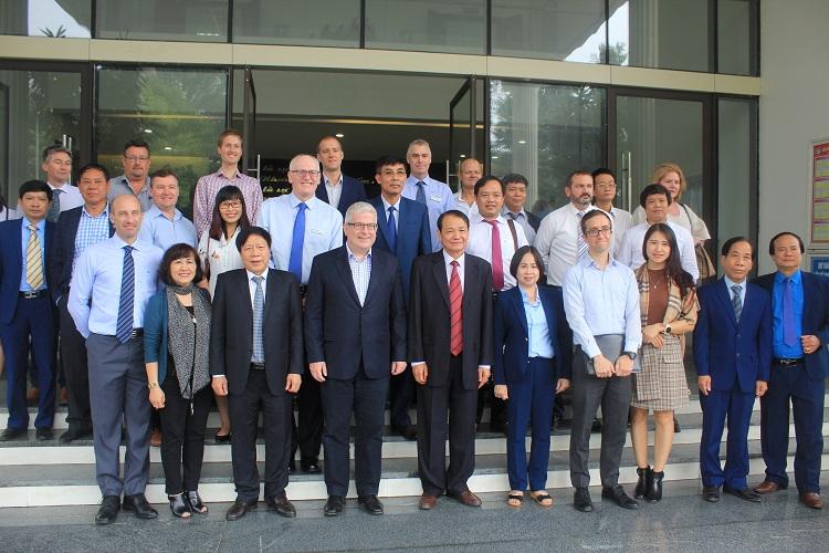 1418/Đại sứ Úc đến thăm và làm việc với Công ty CP Cấp nước Phú Thọ