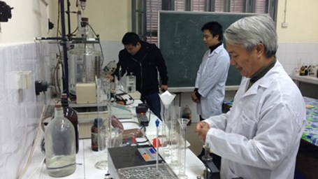 748/Professor invents water filtration technology