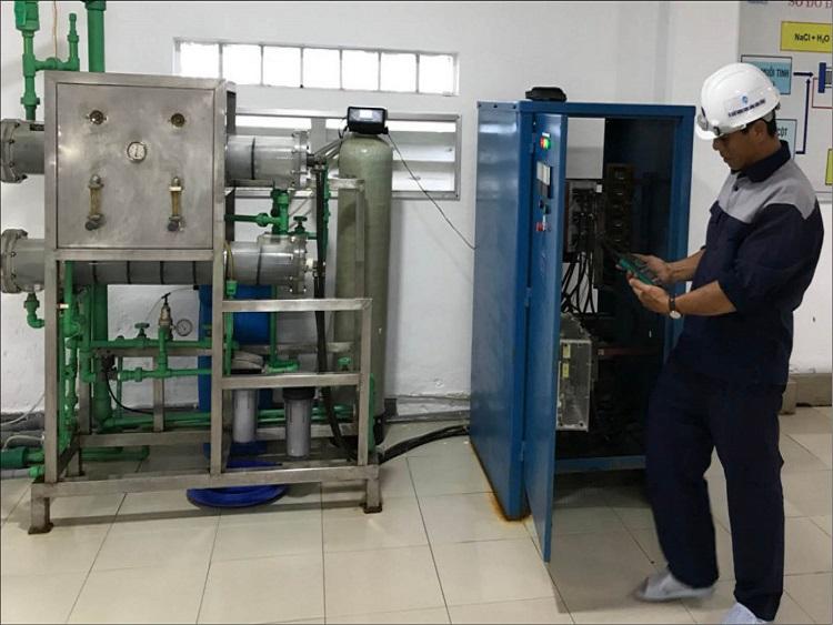 1498/HueWACO chế tạo thành công máy điện phân javen