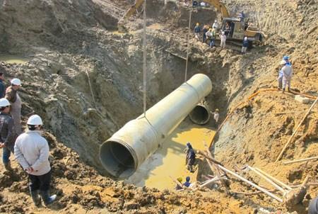 245/TP.Hà Nội tiết lộ công nghệ làm đường ống nước sông Đà... 60 ngày