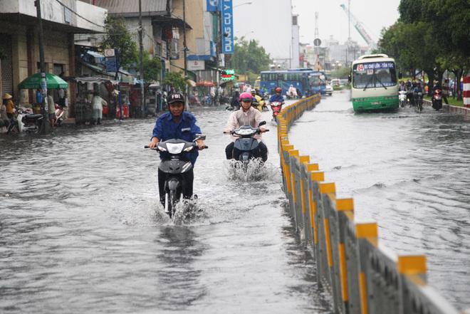 274/Giải pháp nâng cao hiệu quả thu nước mặt đường cho giếng thu ở Việt Nam