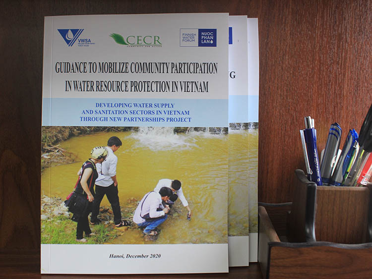 Guidance to mobilize community participation in water resource protection in Vietnam