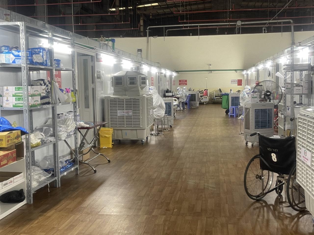 Công ty Nhựa Tiền Phong trao tặng máy lọc không khí và vật tư y tế cho Bệnh viện Bạch Mai