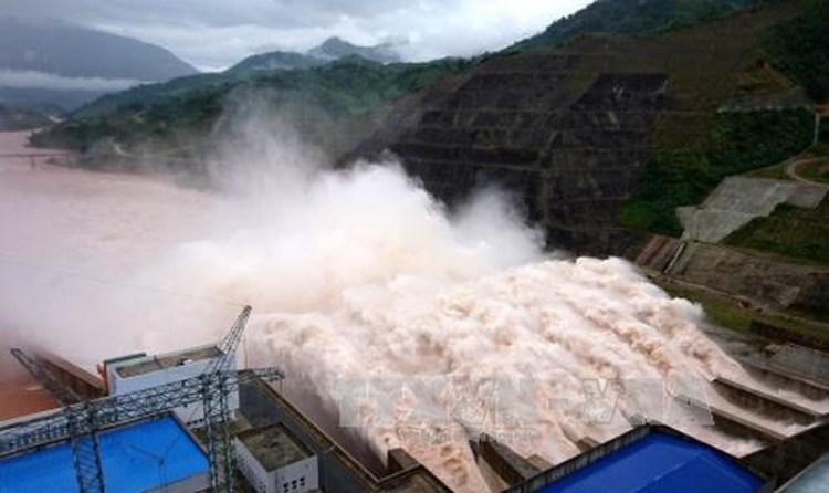 1206/Thủy điện Lai Châu mở 2 cửa đáy xả lũ