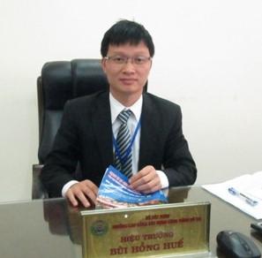 Ông Bùi Hồng Huế - Ủy viên