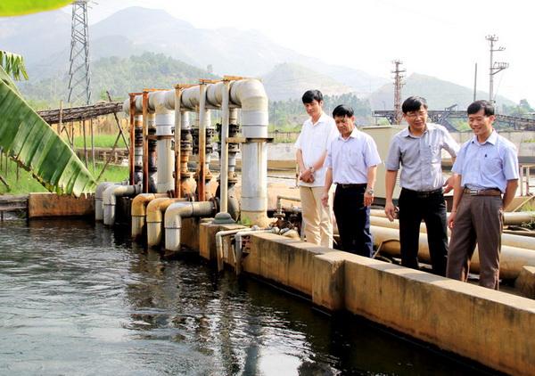 1375/Tiền cấp quyền khai thác nước khác với thuế tài nguyên nước
