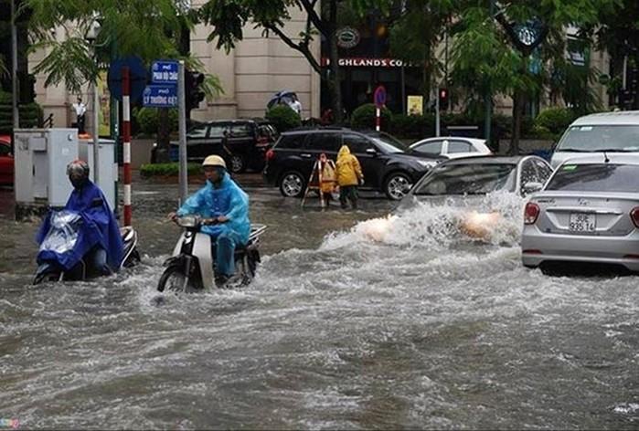 1271/Hà Nội thường xuyên ngập: Quy hoạch thoát nước đã lỗi thời?
