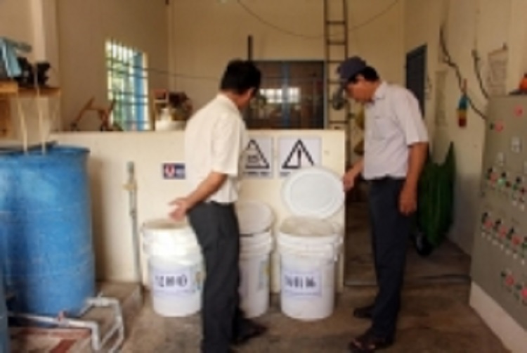 1298/78% hộ dân nông thôn sử dụng nước sạch qua hệ thống cấp nước tập trung