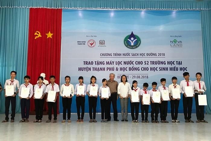 1335/Thạnh Phú, Bến Tre: Giải bài toán về nước sạch học đường