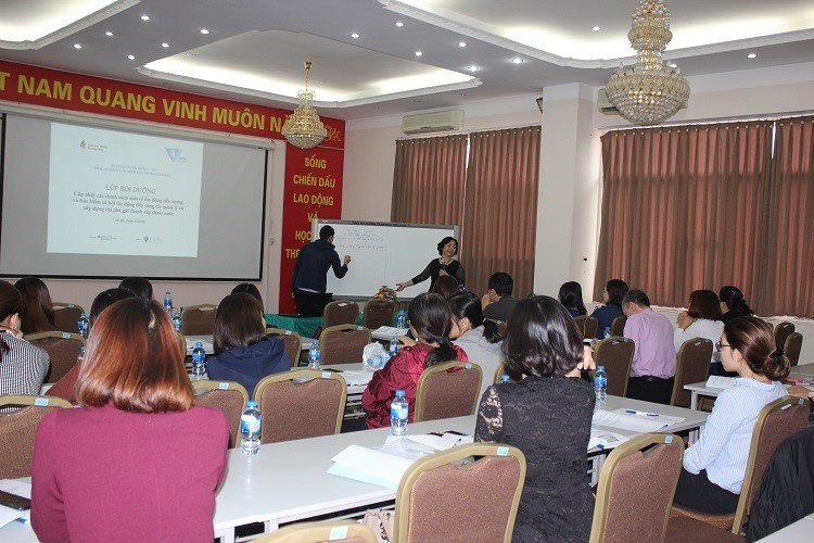 1463/Training course on updating latest policies on labour, salary and social insurance, Hanoi 11-12 October 2018