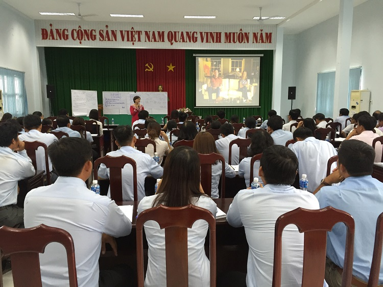 1565/Bồi dưỡng Kỹ năng giao tiếp, ứng xử với khách hàng tại Cần Thơ, Huế và Hà Nội