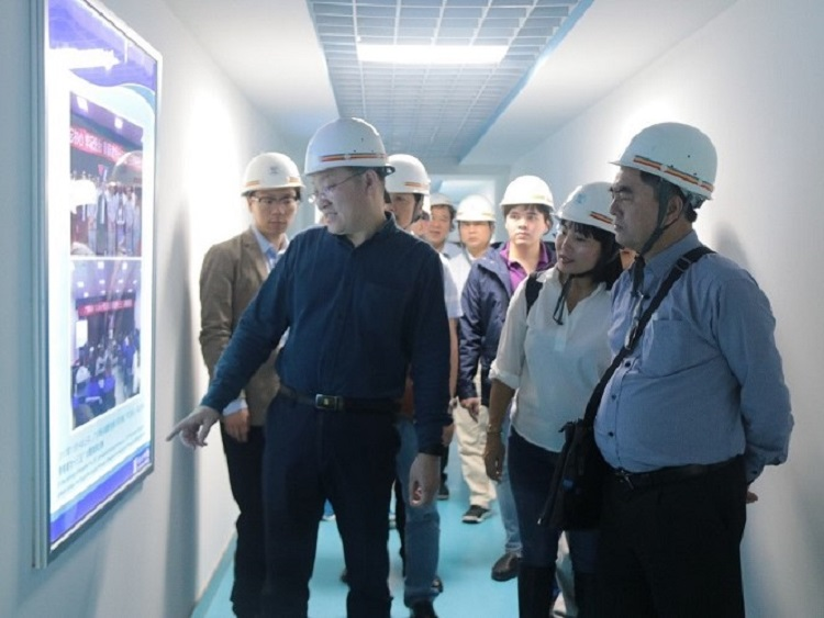 1127/Công ty Ống gang cầu XinXing tiếp đoàn công tác Công ty CN Hải Phòng