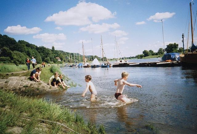 """613/Bài học từ công ty thoát nước Dresden """"Ở Đức không có chuyện mỗi năm tăng giá điện, nước một lần để bù lỗ"""""""