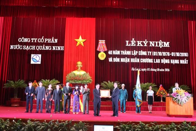 666/Công ty Nước sạch Quảng Ninh đón nhận Huân chương Lao động Hạng Nhất