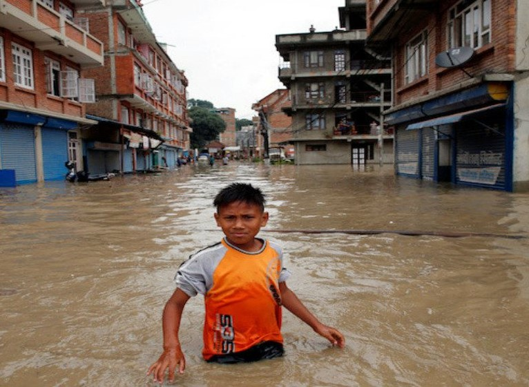 2134/Lở đất, mưa lớn gây thiệt hại nặng ở Nam Á