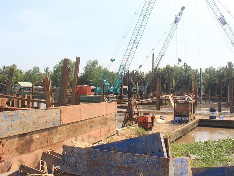 Bến Tre: Sắp đưa đập tạm ngăn mặn vào sử dụng