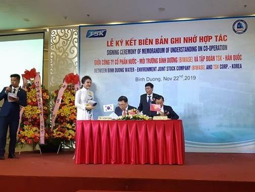 Công ty CP Nước - MT Bình Dương ký kết hợp tác với Tập đoàn TSK