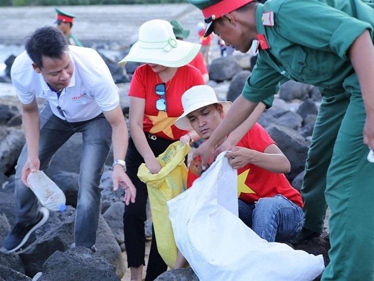 Chung tay vì môi trường biển đảo Cồn Cỏ