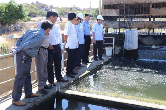 1986/Ninh Thuận lập phương án chở nước sạch cấp cho người dân vùng khô hạn