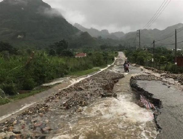 2090/Thủ tướng chỉ đạo ứng phó với tình huống thiên tai mưa lũ bất thường