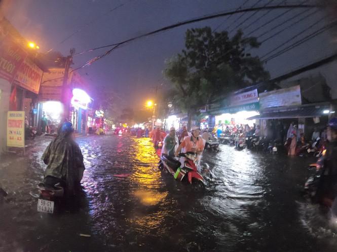 Năm 2021, trung tâm TPHCM hết cảnh ''phố biến thành sông''?