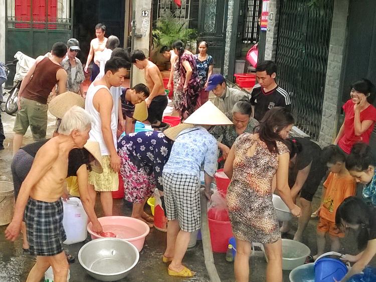 870/Thủ đô thiếu 100.000 m3 nước sạch mỗi ngày trong mùa hè
