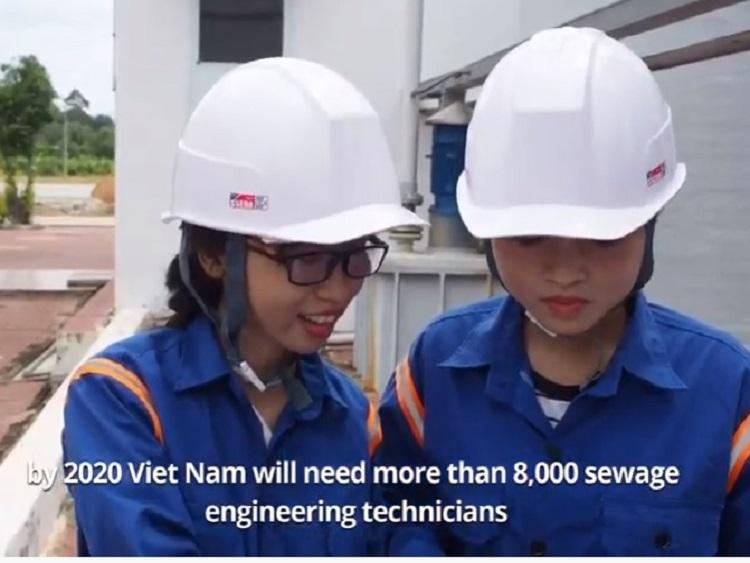 Chúng tôi tự hào là Kỹ thuật viên Xử lý nước thải/ Sewage Engineering Technician